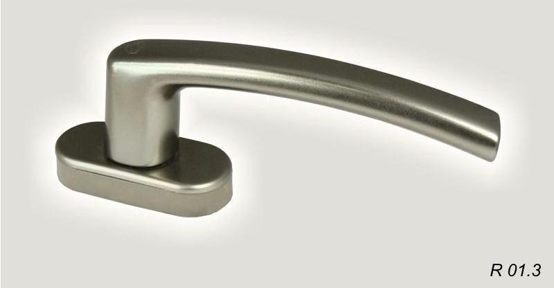 Nyílászáró kilincs R013
